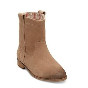 TOMS® Laurel Pull On Boot